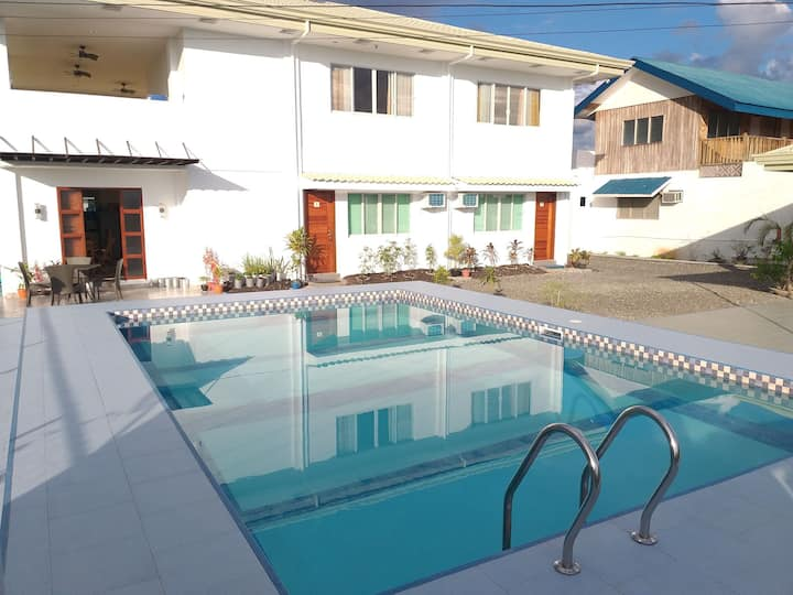 BERNI'S HOSTEL with Pool