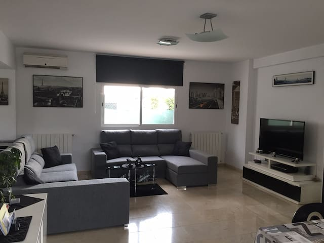 Large room for 5/6 people to Canyada, Valencia - Paterna/La Canyada - Bed & Breakfast