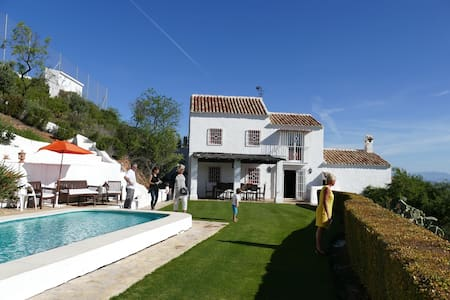 Charming Spanish Finca in beautiful nature - Monda - Hus
