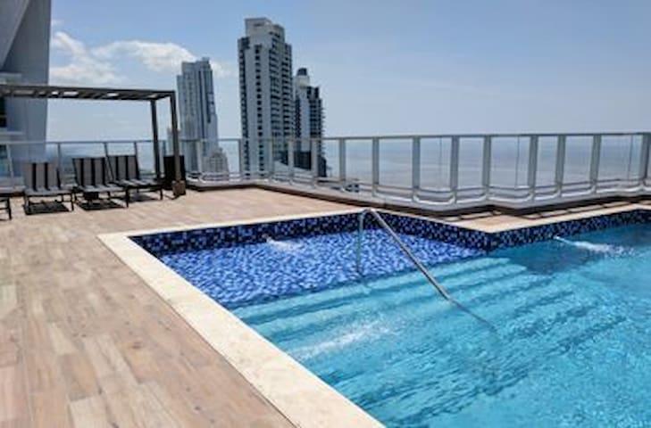 Apartamento Moderno frente al mar comodidades 100%