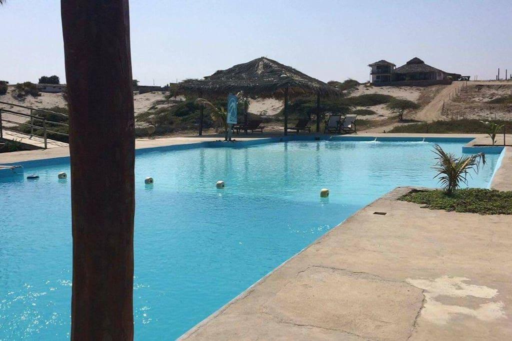 piscina del condominio