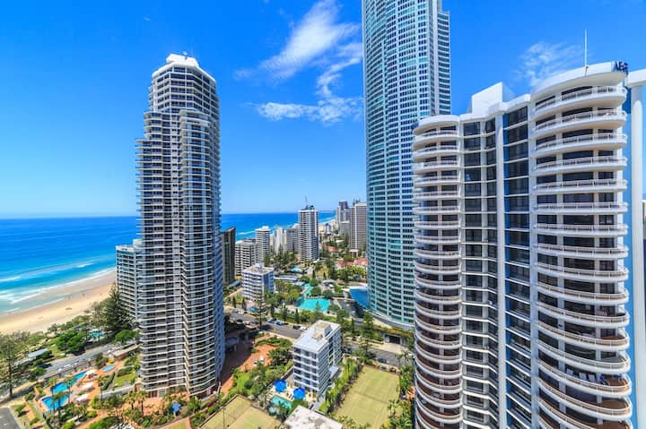 Top Floor Suite, Ocean Views - Surfers Paradise