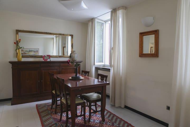 Appartamento in Piazza, edificio Hotel Terme