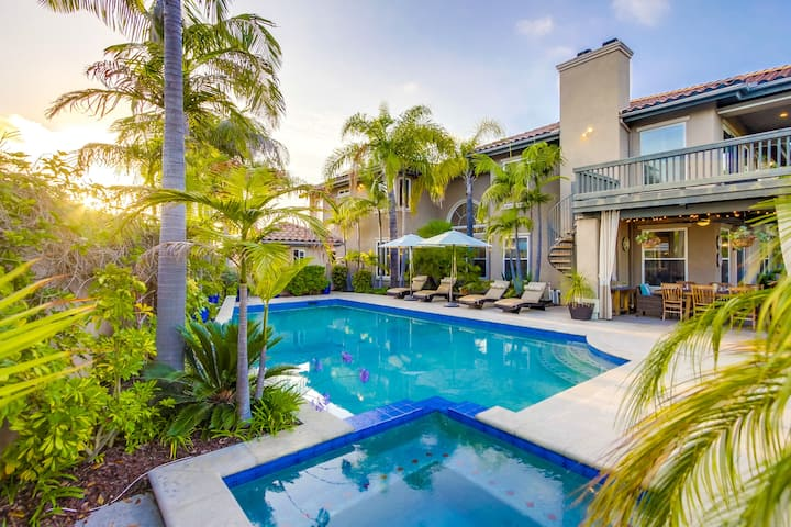 15% OFF to 10/15 - Oasis style Home with Large Lawn, Pool, Spa & Views