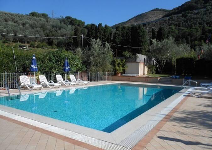 Appartamento Aurora con piscina vicino a Lucca
