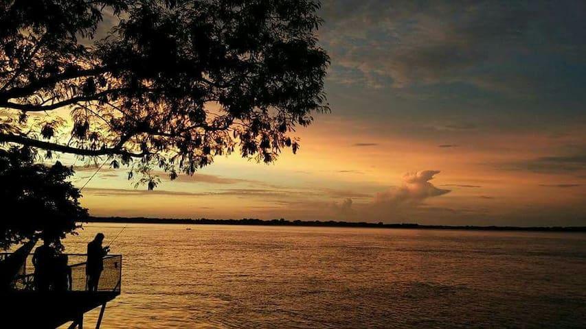 Casa a la vera de Río Paraná - Capital