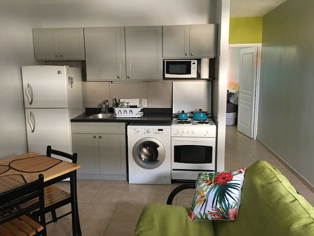 1bed Apt Beach/AUC/student/family friendly