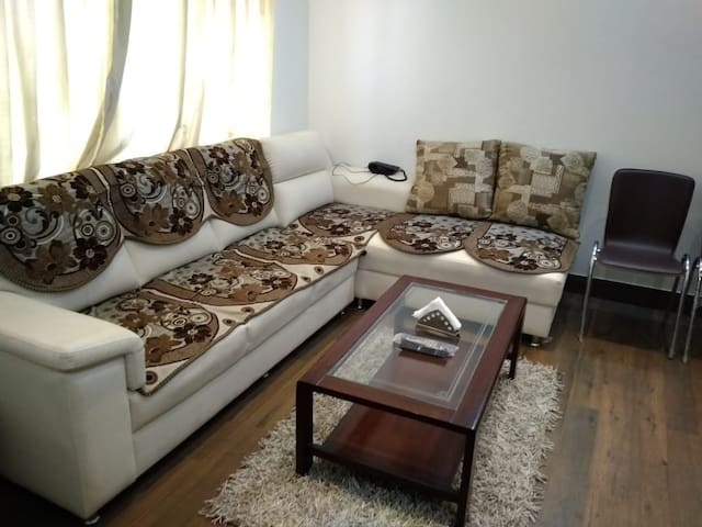1BHK Penthouse for Uptu 5 ppl for get together