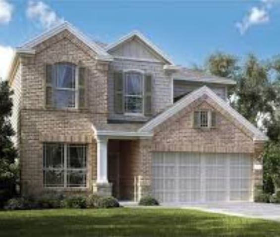 SPACIOUS HOME WITH LARGE SQUARE FOOTAGE