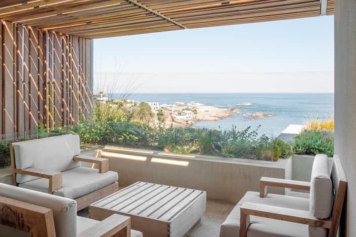 LUXURY VILLA, CAMPS BAY BEACH ☀️ OCEAN VIEWS, POOL