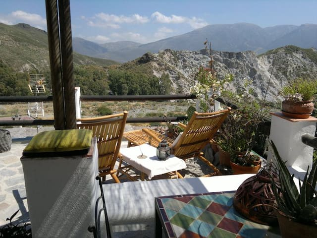 Increíble casa con Terraza y vistas Panorámicas - Bayacas - Huis