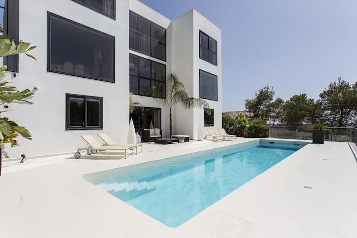 Luxury minimalist house near Sitges and Barcelona - Olivella - Villa