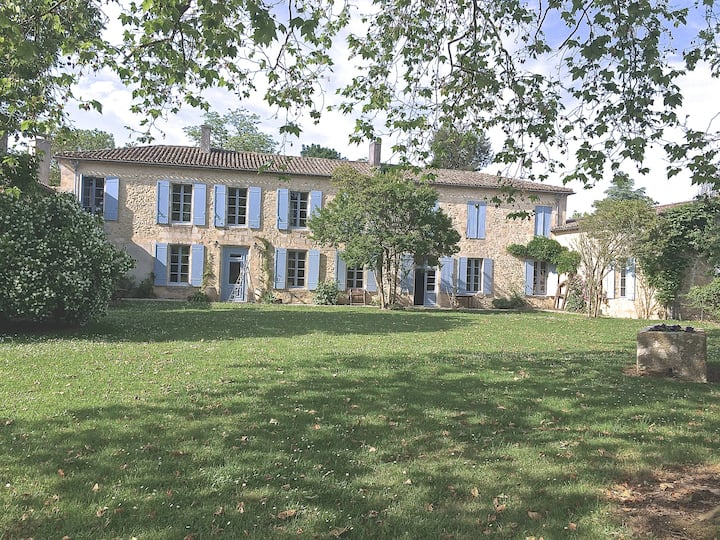 Lovely country house near Bordeaux