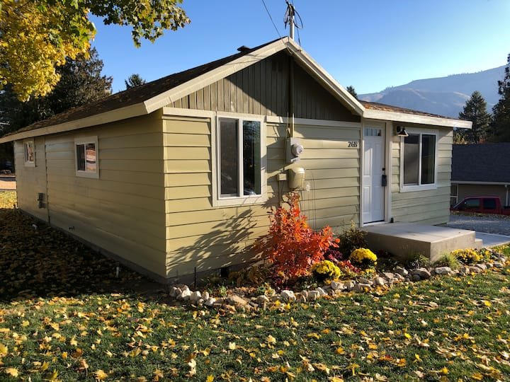 Entiat Home with Farm House Feel