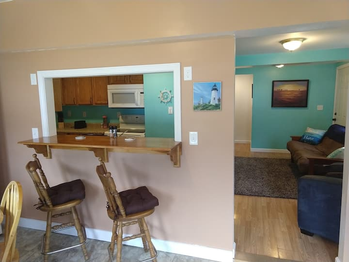 Quiet 3 BR Beachtown Apartment 1 mile to the beach