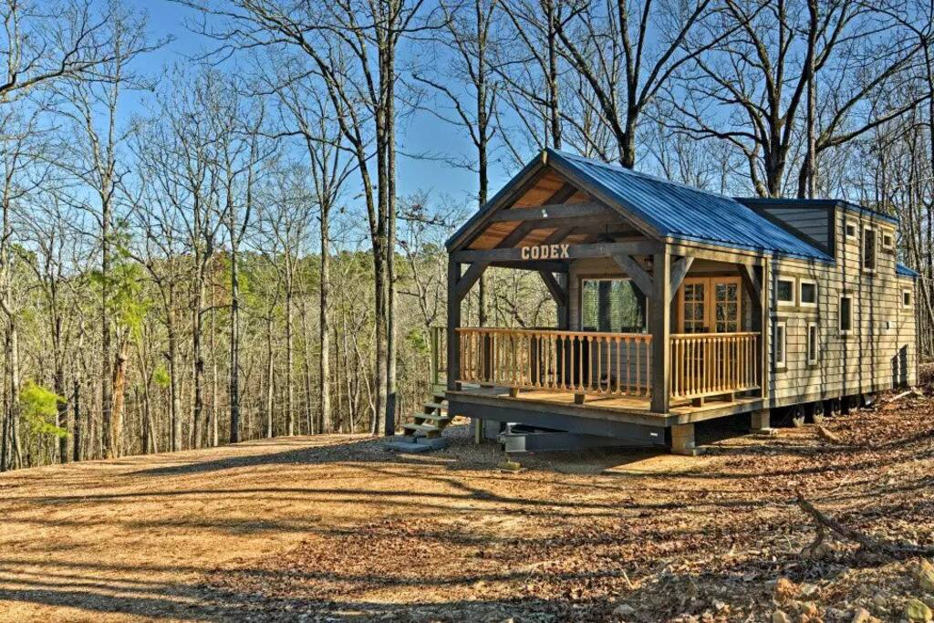 Beautiful open sky view of the cabin!