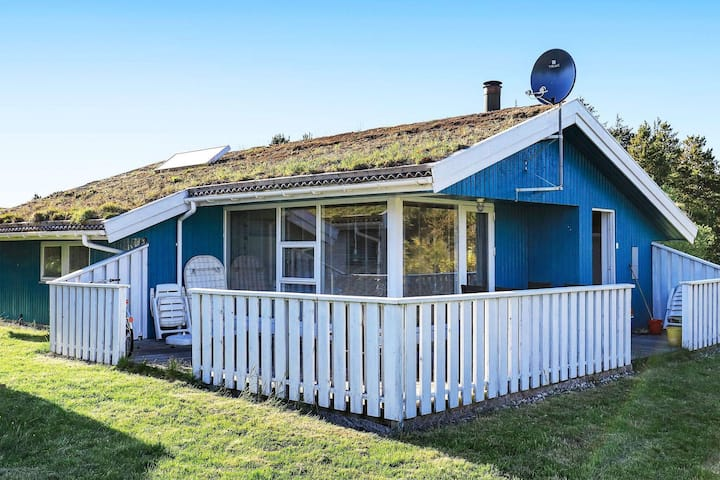6 person holiday home in Blokhus