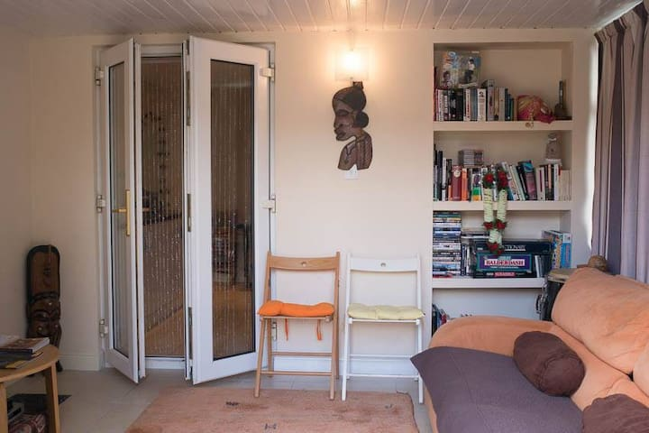 Gorgeous 1 bed flat in Hayes - Hayes - Huoneisto