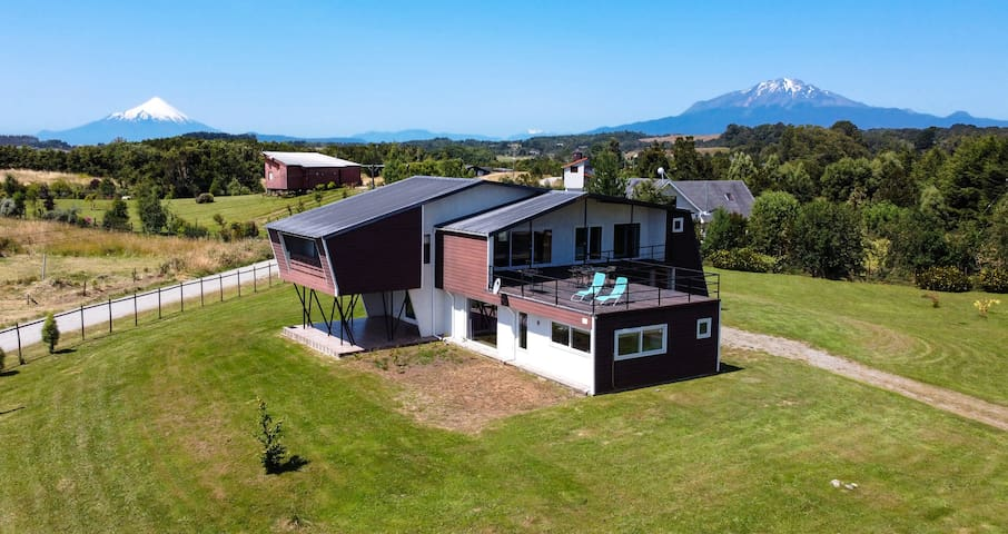 Amplia Casa con un diseño único que te hará soñar