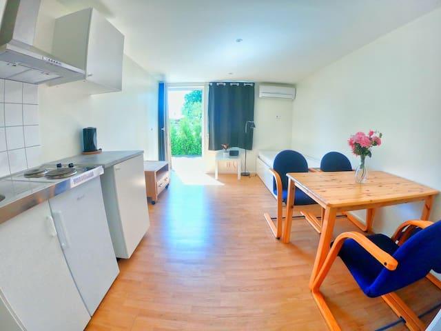 Fin liten stuga i Fredriksbergs stugby (Stuga 6)