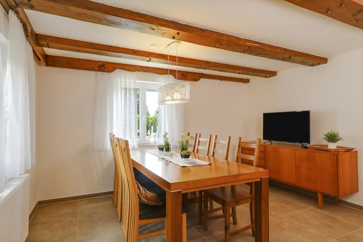 """Cozy Holiday Home """"Ferienhaus Seifried"""" near Lake Constance with Wi-Fi & Garden; Parking Available"""