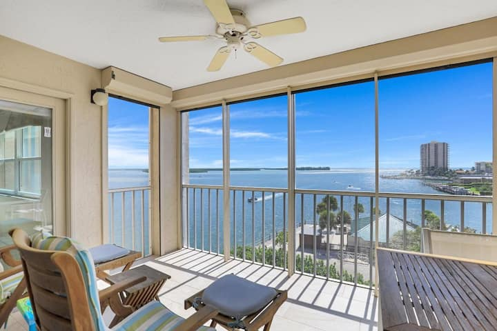 South-facing waterfront condo w/ stunning views & two heated pools