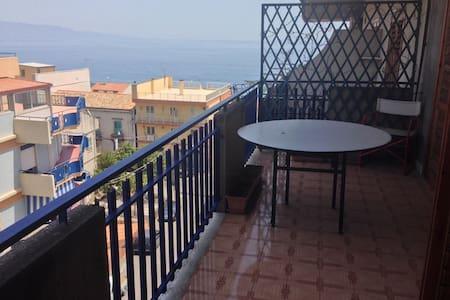 Una finestra sul mare - Roccalumera - Apartamento