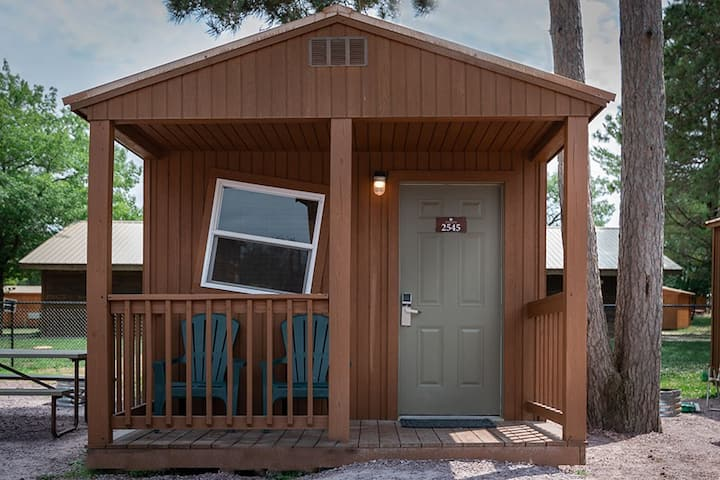 NATURA Cabin Queen and Bunk Unit