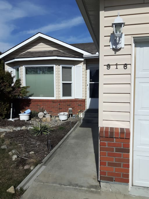 Modest home with quiet cul-de-sac location, easy parking.