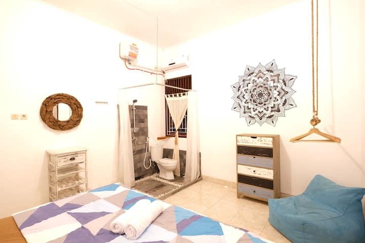 Java Private En-Suite Room at Wood Stone