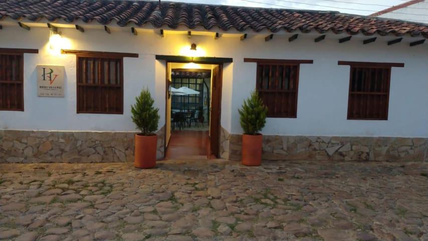 Habitación Doble Privada (Hotel Villa Paz)