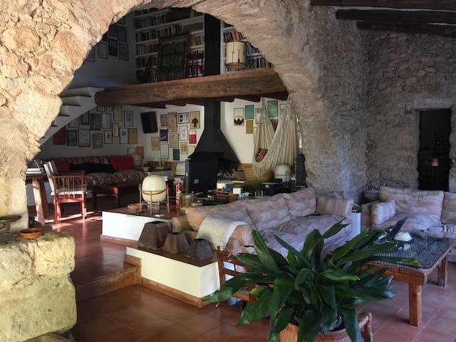 Antiguo pajar rehabilitado en Viladamat - - Viladamat - Prázdninový dům