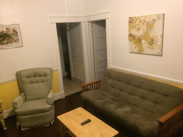 Townhouse Apartment near downtown