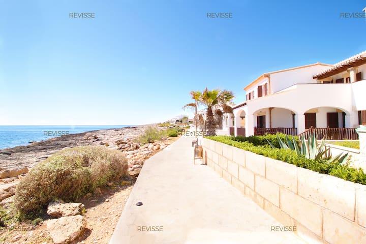 Representative Villa next to the Sea - Colònia de Sant Jordi - Rumah