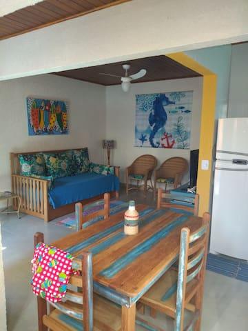Chalé (02) 1 dorm Boiçucanga 40M praia (Cond Resi)