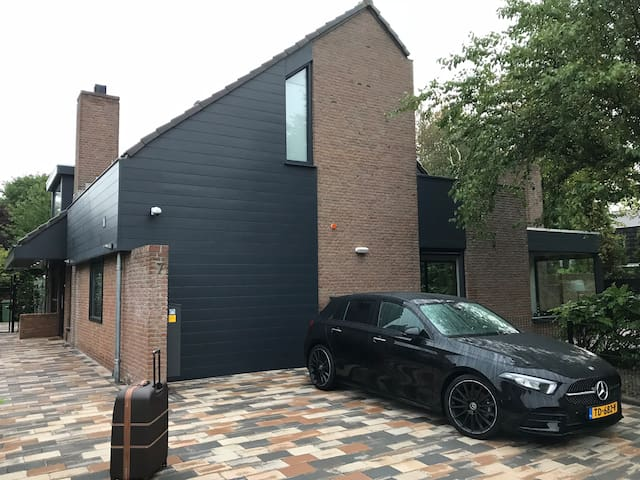 Luxery villa with short distance Schiphol