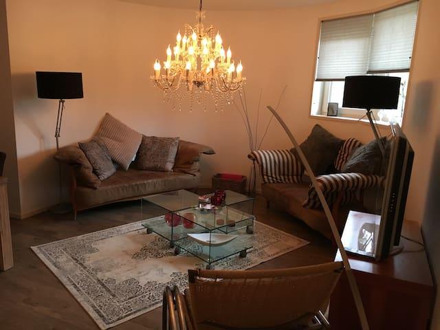 Sfeervol appartement vlak bij strand en duinen - Huisduinen - Byt