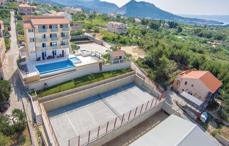 Villa Sol - Mravince - Vacation home