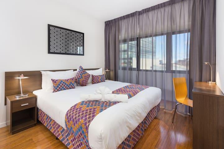 City Edge - stunning one bedroom apartment #2