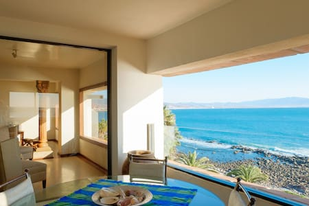 Spectacular Ocean Front- 2 bedrooms