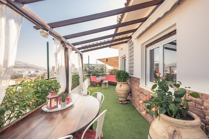Diamond Penthouse + Roofgarden with View