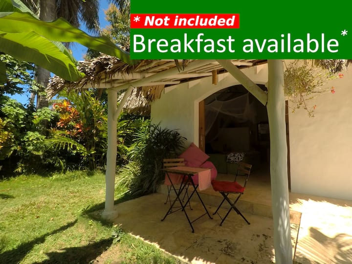 Dream Tropical Cabaña w/Patio. 2min. walk to BEACH