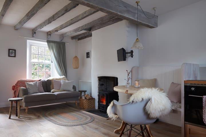 Dove Cottage, Harberton, Totnes, Devon