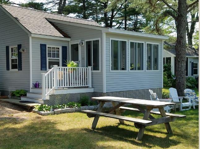 Vintage Maine 2 Bedroom Cottage