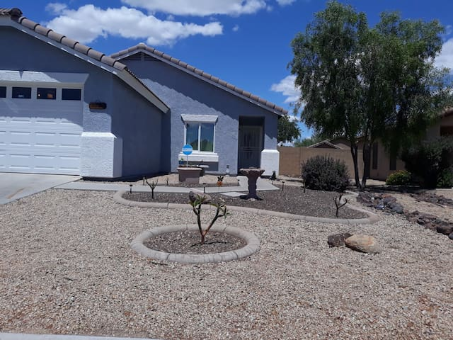 LONG TERM WELCOME- LOCATED IN BEAUTIFUL EL MIRAGE