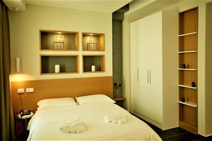 """ArA Suite Hotel""- MODERN LIVING 51B"