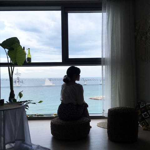 <쥬 하우스> - 해변1초-인생샷명소-일출일몰명소-복받는집-오픈초특가