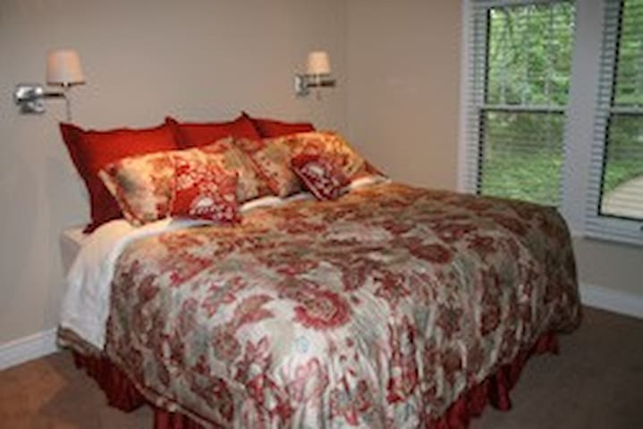 Duneland Beach Inn Suite Dreams - Michigan City - Bed & Breakfast