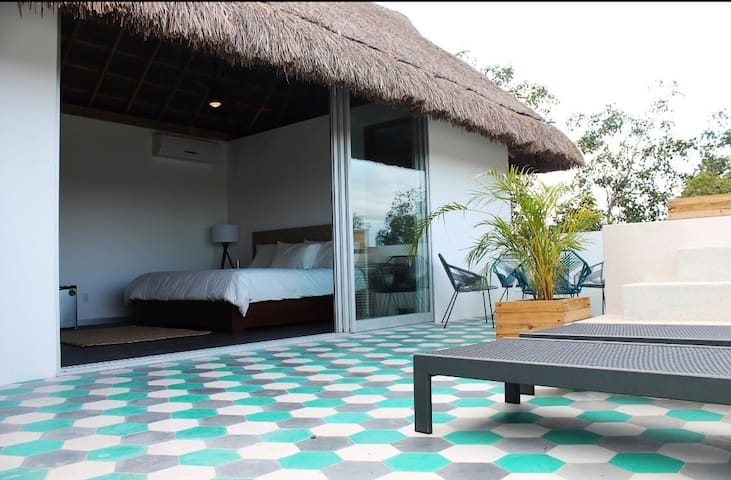 Delux Roof Garden suite w/private jacuzzi A2RG3