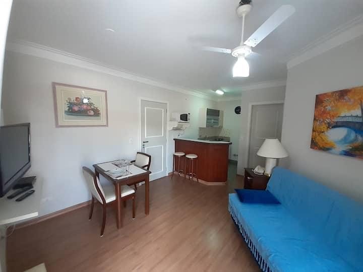 Agradável apartamento no Flat Ônix Residence